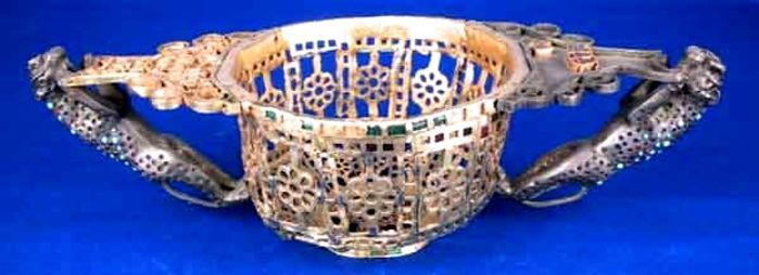 Vas dodecagonal - Muzeul Naţional de Istorie a României - BUCUREŞTI (Patrimoniul Cultural National Mobil din Romania. Ordin de clasare: 2511/28.01.2003 - Tezaur)