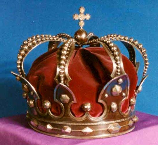 Coroană; Coroana regelui Carol I a României - Muzeul Naţional de Istorie a României - BUCUREŞTI (Patrimoniul Cultural National Mobil din Romania. Ordin de clasare: 2511/28.01.2003 - Tezaur)