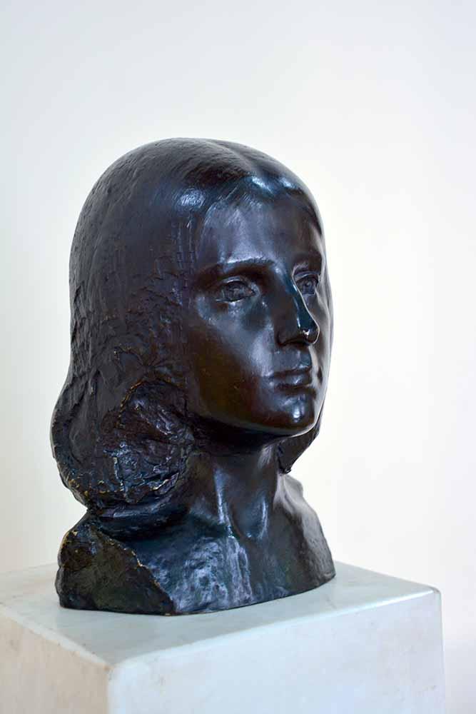 Sculptură - Brâncuşi, Constantin; Orgoliu - Muzeul de Artă - CRAIOVA (Patrimoniul Cultural National Mobil din Romania. Ordin de clasare: 2579/05.03.2003 - Tezaur)
