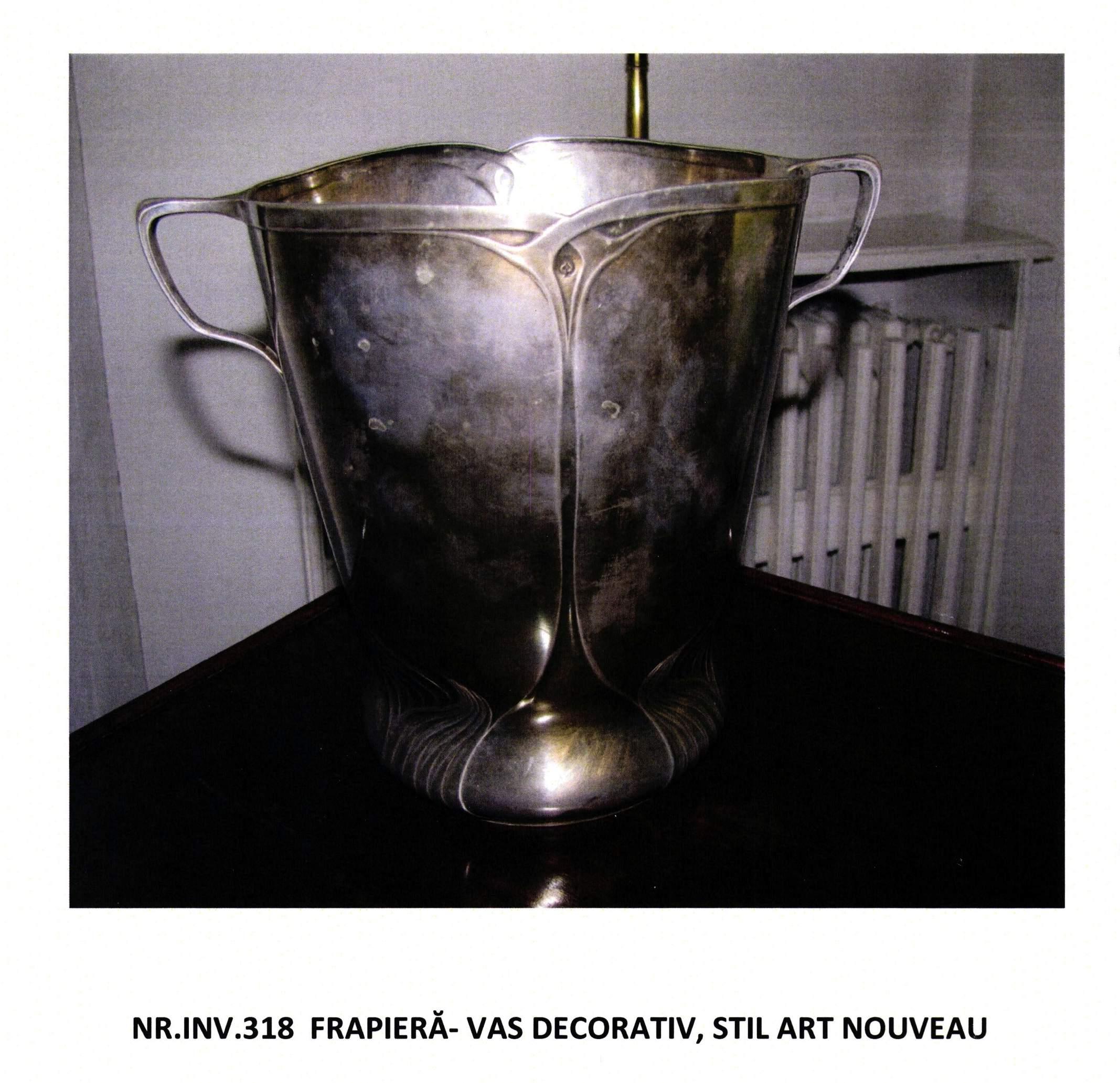"""Frapieră - Vas decorativ - Casa Memorială """"George Enescu"""" - SINAIA (Patrimoniul Cultural National Mobil din Romania. Ordin de clasare: 2272/05.04.2018 - Fond)"""