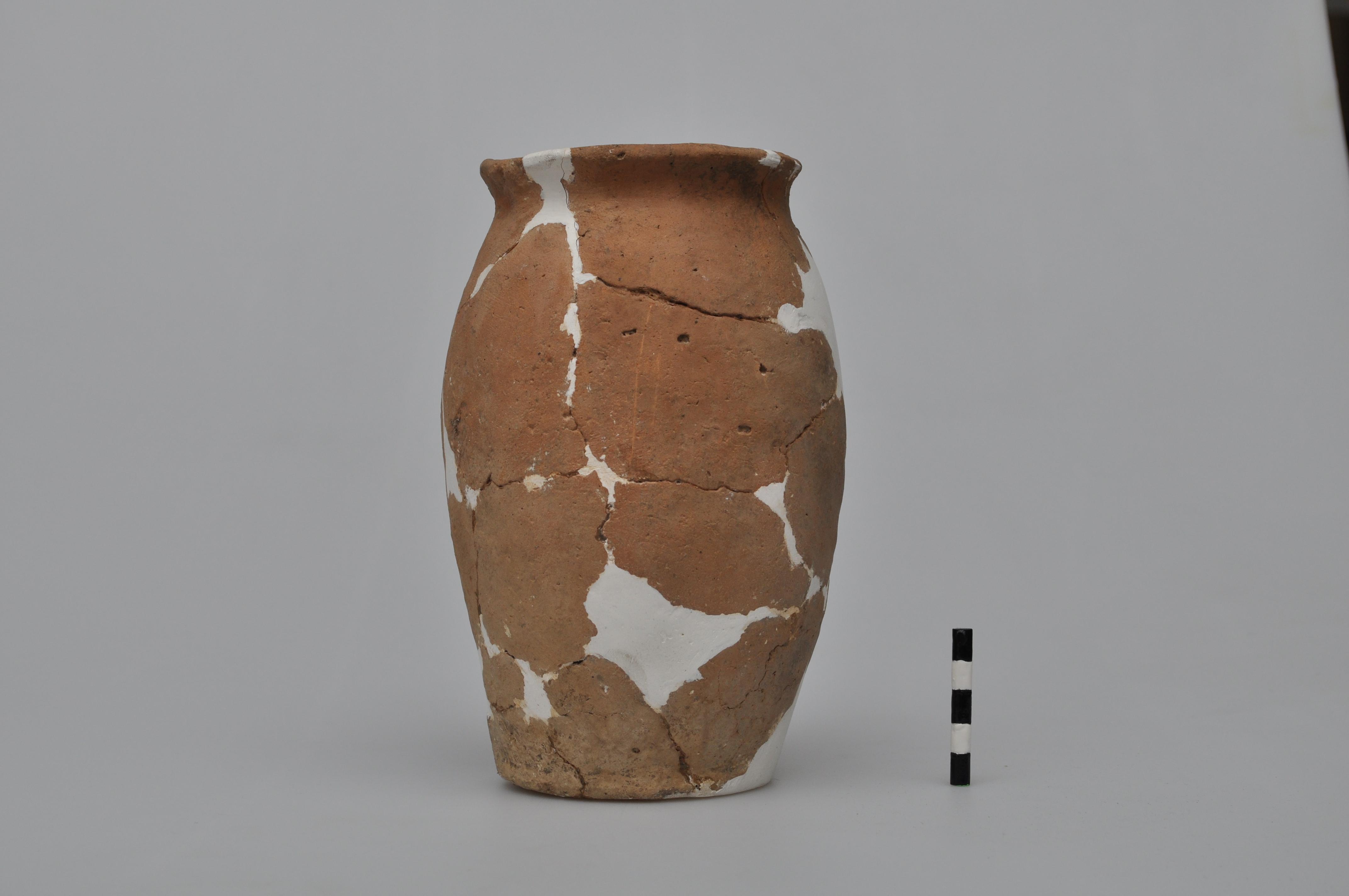 Oală - Romanic - Muzeul Municipiului Bucureşti - BUCUREŞTI (Patrimoniul Cultural National Mobil din Romania. Ordin de clasare: 3997/09.12.2016 - Fond)