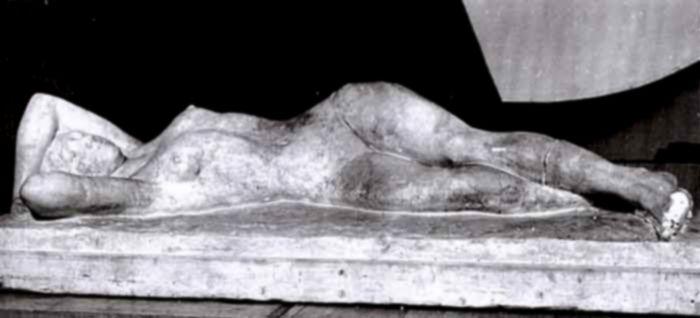 sculptură - Ionescu-Valbudea, Ştefan; După baie