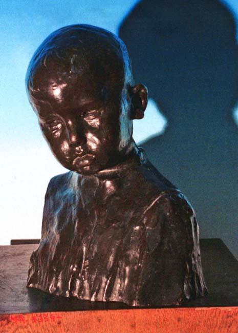 Sculptură - Brâncuşi, Constantin; Cap de copil - Academia Română - BUCUREŞTI (Patrimoniul Cultural National Mobil din Romania. Ordin de clasare: 2013/24.01.2005 - Tezaur)
