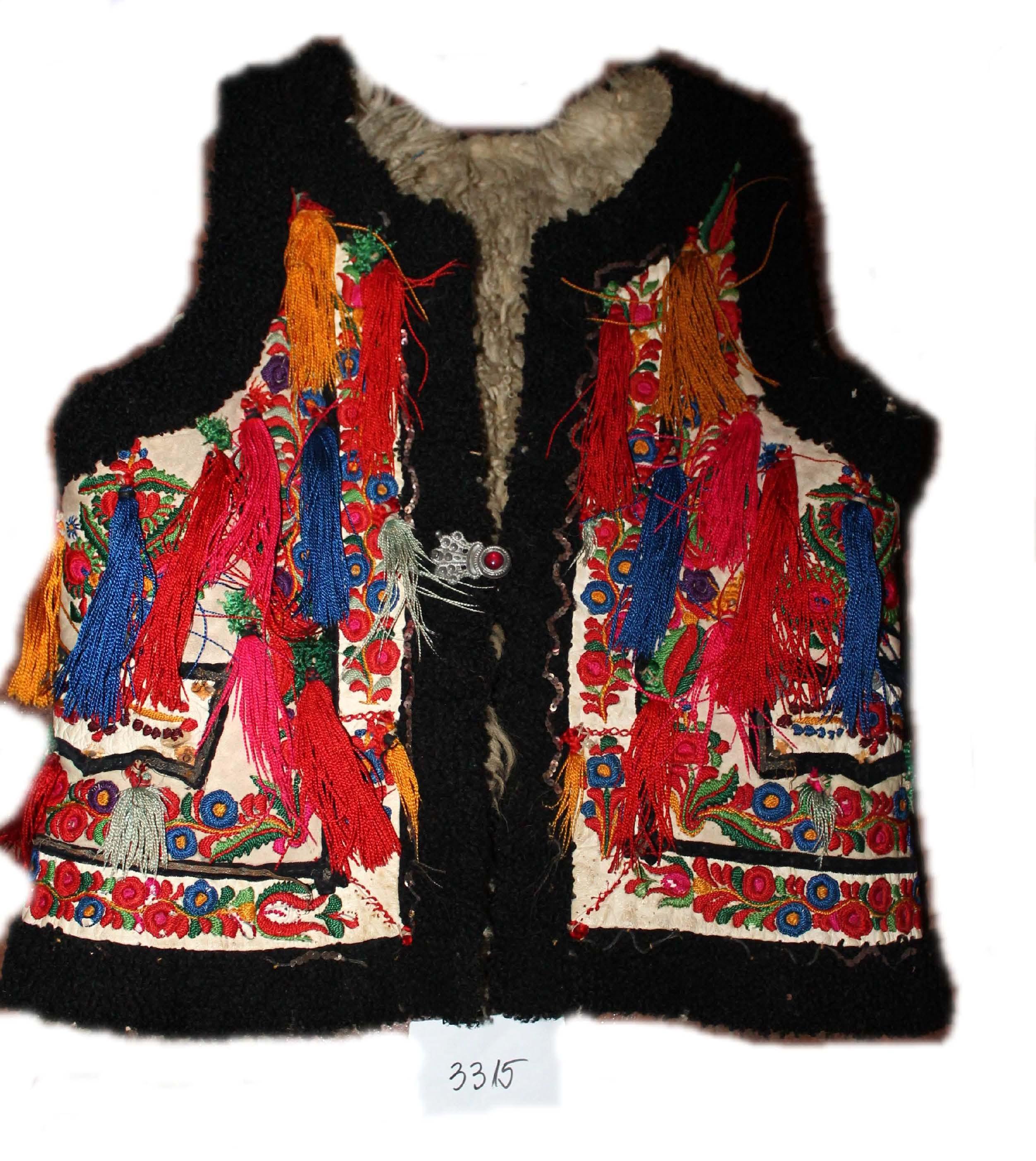 Pieptar femeiescPieptar - Complexul Muzeal Bistriţa-Năsăud - BISTRIŢA (Patrimoniul Cultural National Mobil din Romania. Ordin de clasare: 4009/12.12.2016 - Fond)