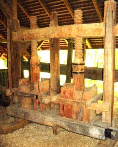 teasc de vin - Complexul Naţional Muzeal ASTRA - SIBIU (Patrimoniul Cultural National Mobil din Romania. Ordin de clasare: 2065/16.02.2006 - Tezaur)