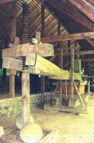 Leuner, H.; Teasc de vin - Complexul Naţional Muzeal ASTRA - SIBIU (Patrimoniul Cultural National Mobil din Romania. Ordin de clasare: 2065/16.02.2006 - Tezaur)