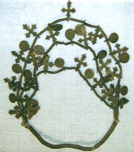 SalbăSalbă cu cruci - Complexul Muzeal Bucovina - SUCEAVA (Patrimoniul Cultural National Mobil din Romania. Ordin de clasare: 2284/28.05.2007 - Fond)