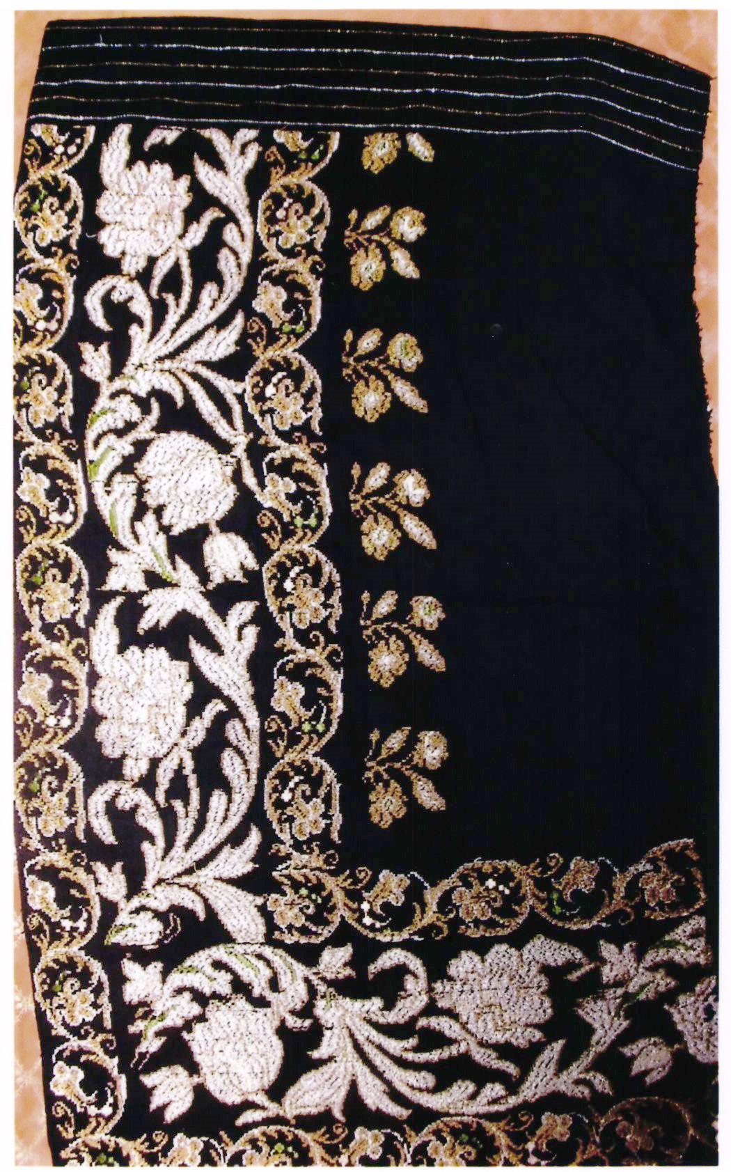 anonim; Fotă cu fir pe negru - Muzeul Viticulturii şi Pomiculturii - GOLEŞTI (Patrimoniul Cultural National Mobil din Romania. Ordin de clasare: 2356/14.06.2017 - Tezaur)
