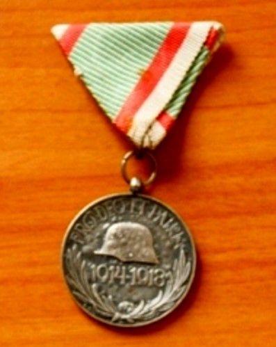 Medalie comemorativă Primul Război Mondial – Magyar Háborús Emlékérem - Muzeul Judeţean - SATU MARE (Patrimoniul Cultural National Mobil din Romania. Ordin de clasare: 2367/22.05.2014 - Fond)