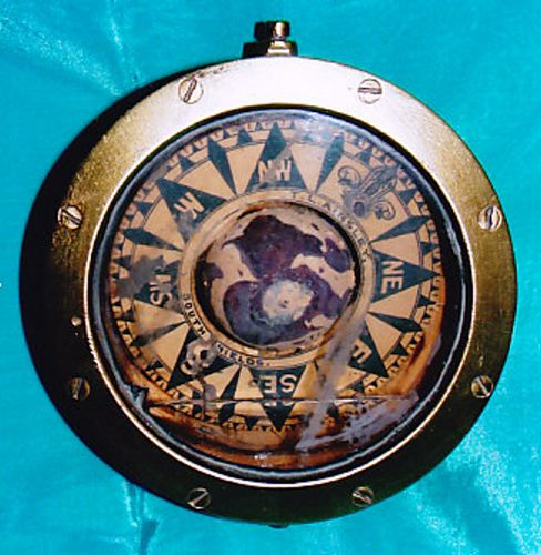 Instrument - T.L. AINSLEY; Busolă - Muzeul Marinei Române - CONSTANŢA (Patrimoniul Cultural National Mobil din Romania. Ordin de clasare: 2631/22.11.2007 - Tezaur)