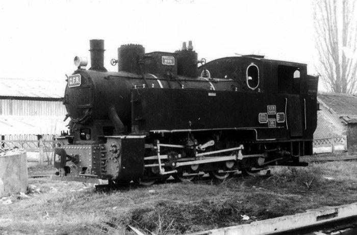 Locomotivă cu abur tip D-n2 - Centrul Naţional de Calificare şi Instruire Feroviară CENAFER - BUCUREŞTI (Patrimoniul Cultural National Mobil din Romania. Ordin de clasare: 2870/31.12.2015 - Fond)