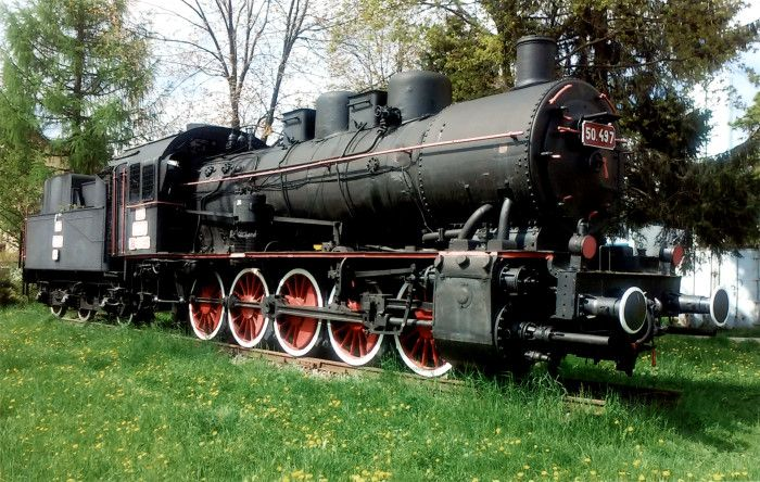Locomotivă cu abur tip E-h2 - Centrul Naţional de Calificare şi Instruire Feroviară - CENAFER (Patrimoniul Cultural National Mobil din Romania. Ordin de clasare: 2869/31.12.2015 - Fond)