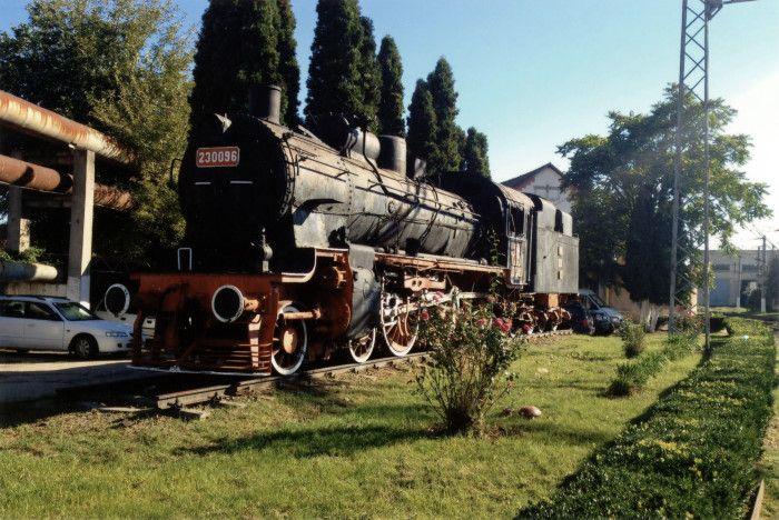 Locomotivă cu abur tip 2C-h2 - Centrul Naţional de Calificare şi Instruire Feroviară - CENAFER (Patrimoniul Cultural National Mobil din Romania. Ordin de clasare: 2869/31.12.2015 - Fond)